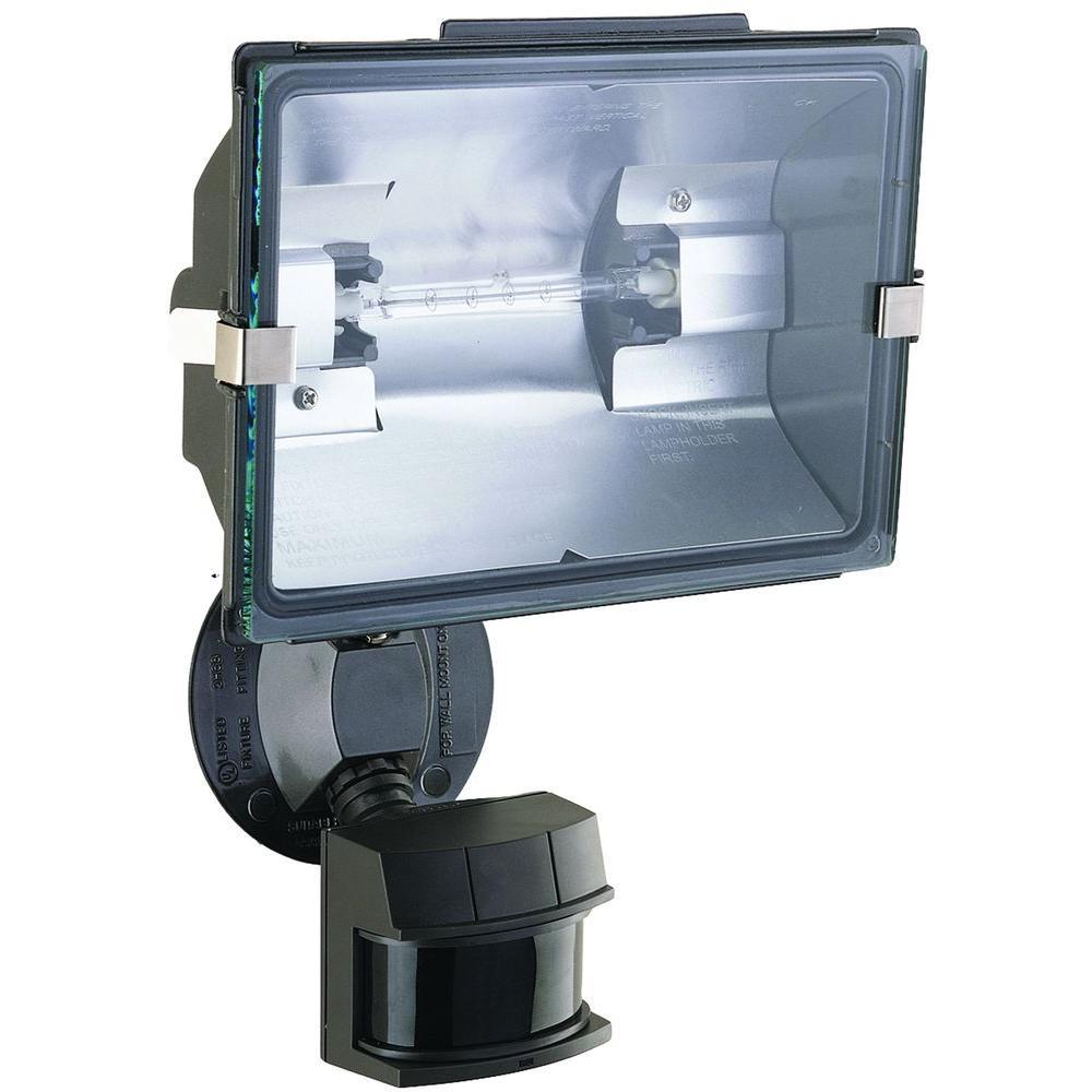 Heath Zenith  Motion-Sensing  Hardwired  Halogen  White  Floodlight