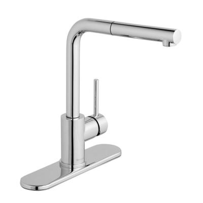 Menlo Single-Handle Pull-Out Sprayer Kitchen Faucet in Chrome