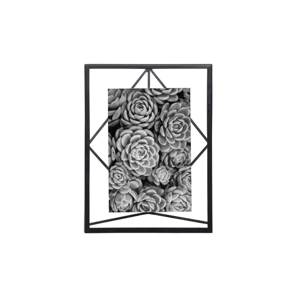 Foreside Home & Garden 4 x 6 inch Geometric Black Wire Decorative Metal Picture Frame Suspend your special moments within the 4X6 Geo Metal Photo Frame from Foreside Home & Garden. Your 4  by 6  photos will rest atop the beams that cross the metal frame, giving a sleek modern display to your most marvelous memories. Color: Black.
