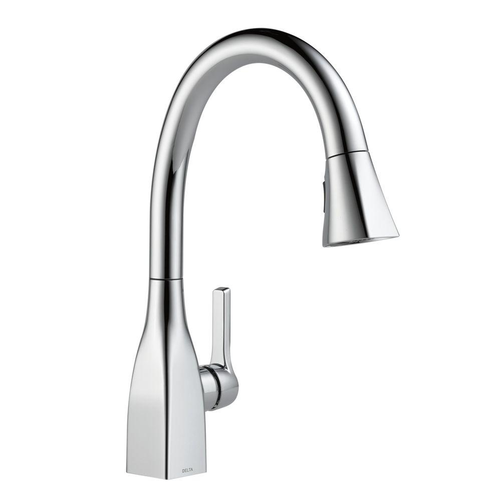 Delta Mateo Single Handle Pull Down Sprayer Kitchen Faucet With Shieldspray Technology In Chrome