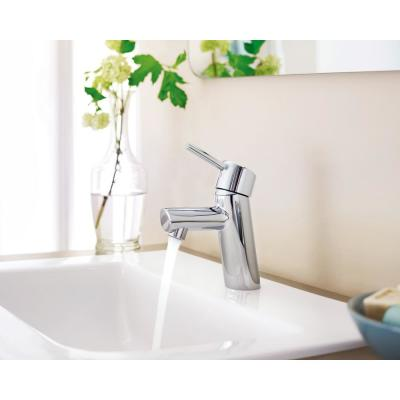 Concetto Single Hole Single-Handle Bathroom Faucet with Drain Assembly in StarLight Chrome