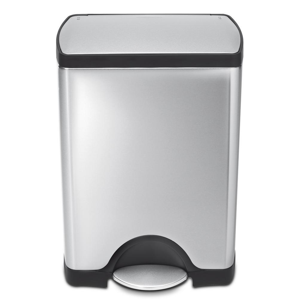 simplehuman 30 liter fingerprint proof brushed stainless steel rectangular step on trash can. Black Bedroom Furniture Sets. Home Design Ideas