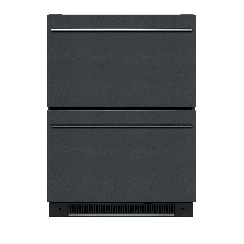 Summit Appliance 5.4 cu. ft. Mini Refrigerator in Black