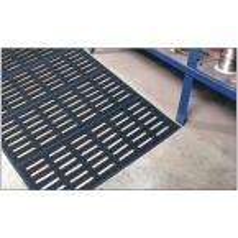 Traktor Mat 2 ft. x 3 ft. Anti-Slip/Anti-Fatigue Rubber Commercial Floor Mat