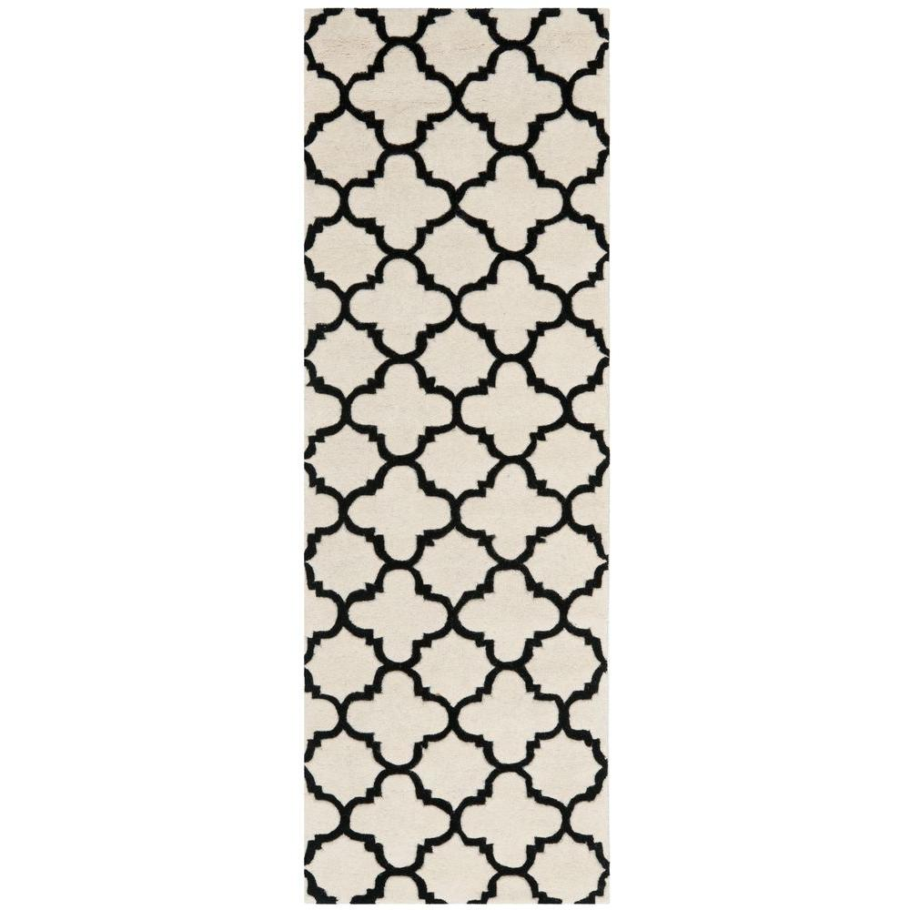 Chatham Ivory/Black 2 ft. 3 in. x 7 ft. Runner