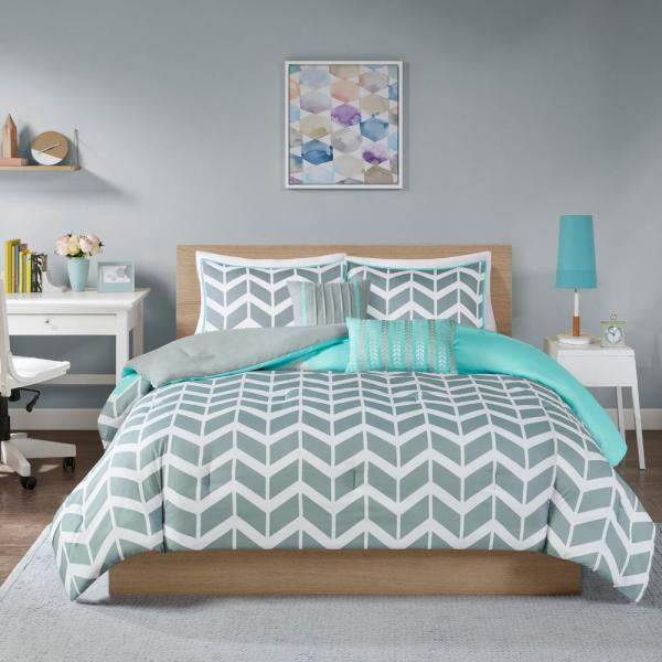 Intelligent Design Laila 5 Piece Teal, Grey And Teal Bedding