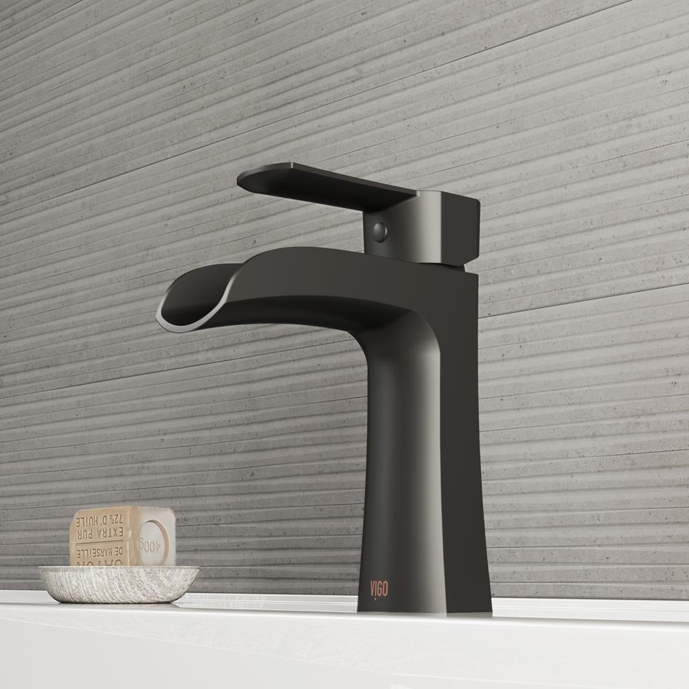 Paloma Single Hole Single-Handle Bathroom Faucet in Matte Black
