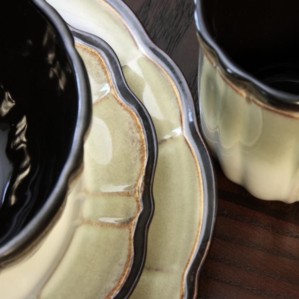 Mableton 16-Piece Coastal Cream Stoneware Dinnerware Set (Service for 4)