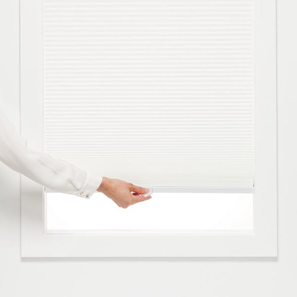 Perfect Lift Window Treatment Cut To Width White Cordless Light Filtering Cellular Shade 53 5 In W X 72 In L Qcwt534720 The Home Depot