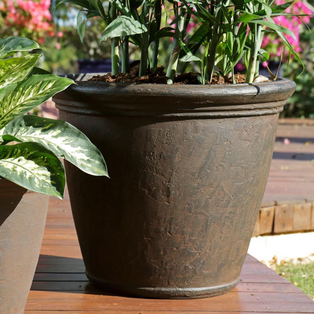 Sunnydaze Decor 24 In Rust Anjelica Resin Outdoor Flower Pot Planter Single Dg 844 The Home Depot