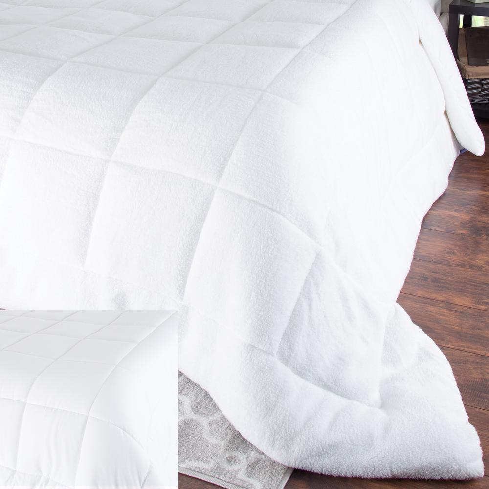 Bluestone Oversized Reversible White Down Alternative Sherpa Twin Comforter 64-23-T