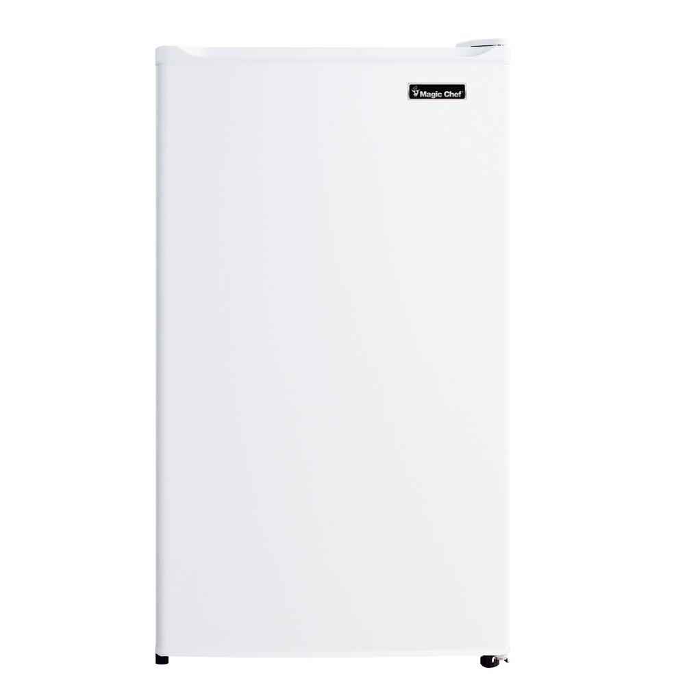 MagicChef Magic Chef 4.4 cu. ft. Mini Fridge in White