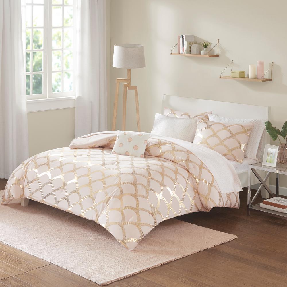Kaylee 8-Piece Blush Queen Geometric Comforter Set