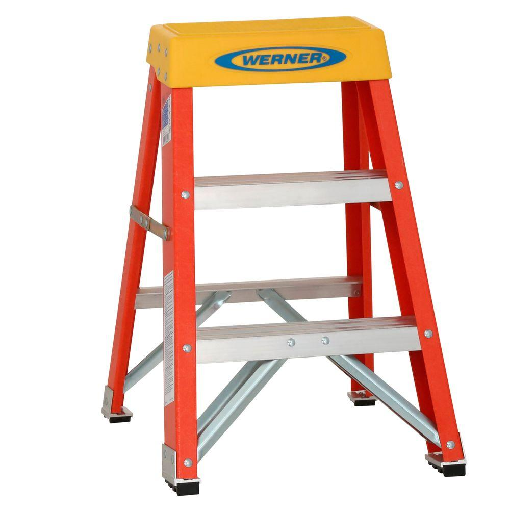 Werner 2 Ft Fiberglass Step Ladder With 300 Lb Load