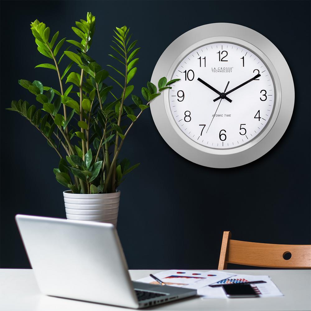 La Crosse Technology 14 in. Atomic Analog Wall Clock
