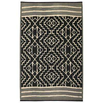 Kilimanjaro Indoor/Outdoor Black 4 ft. x 6 ft. Area Rug