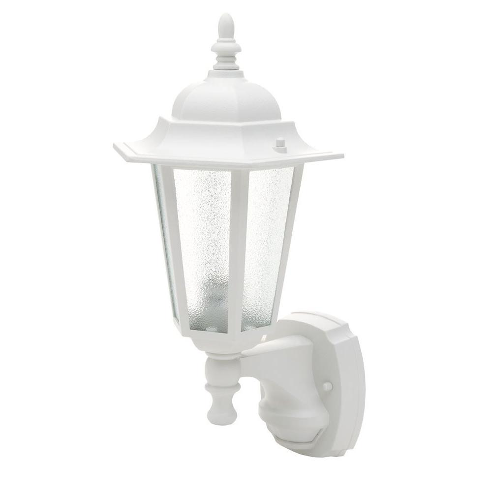 CCI 18 in. White Motion Activated Outdoor Die-Cast Coach Lantern
