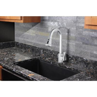 Kent Single-Handle Pull-Out Sprayer Kitchen Faucet in Polished Chrome