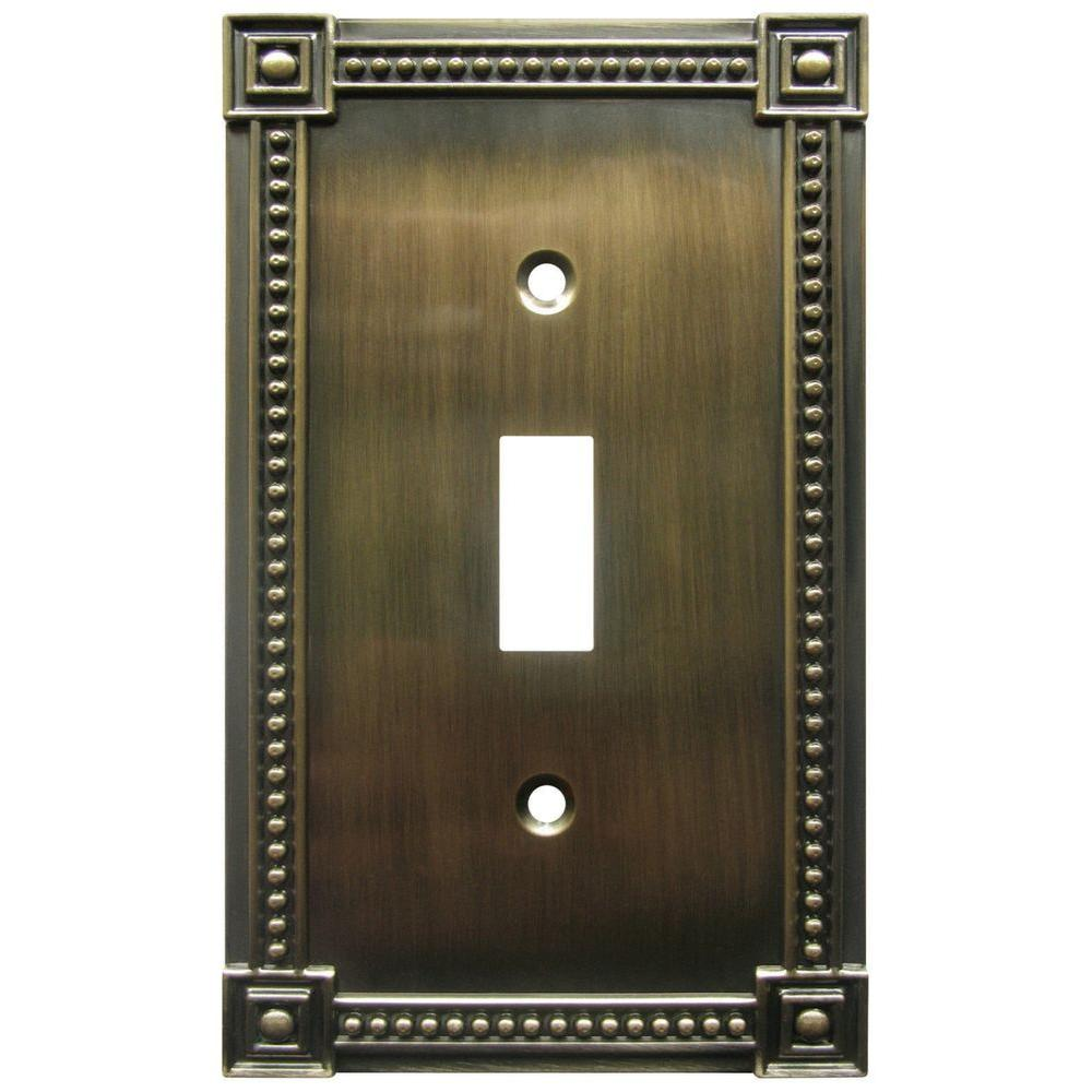 Amerelle Traditional 1 Gang Toggle Wall Plate - Brushed Brass