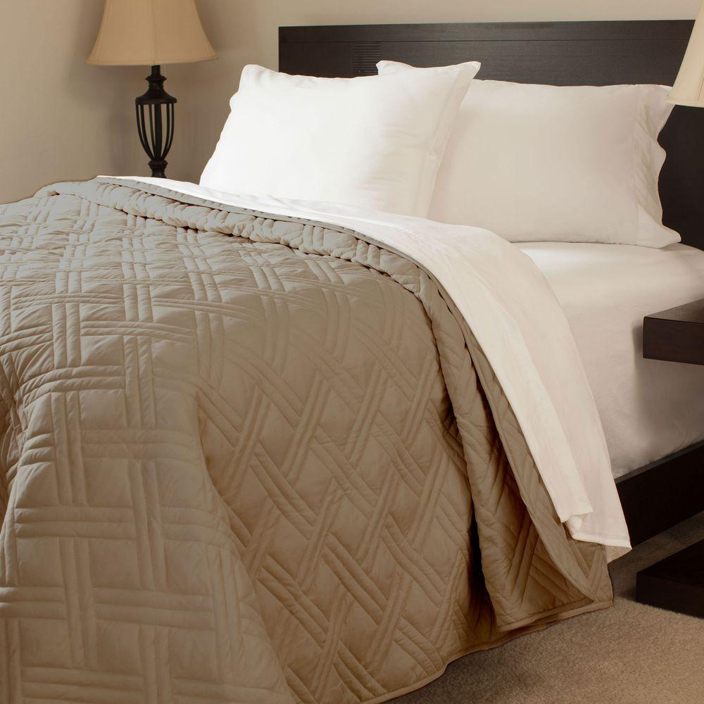 Solid Color Chocolate Twin Bed Quilt