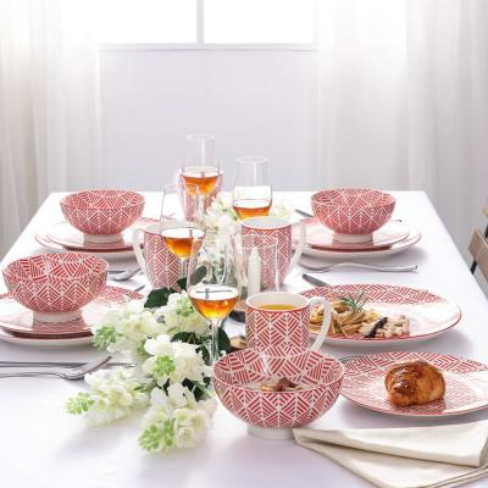 16-Piece Modern Symmetrical Figure Pink Porcelain Dinnerware Sets (Service for Set for 4)