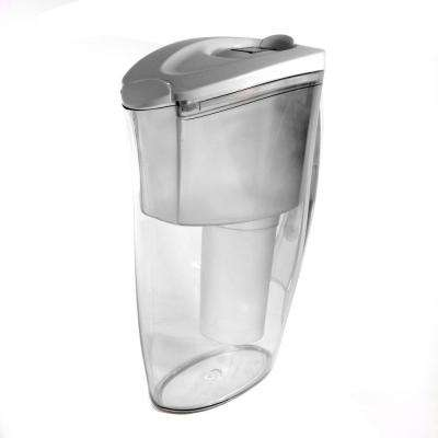 6-Cup Water Pitcher with 1 Universal Filter
