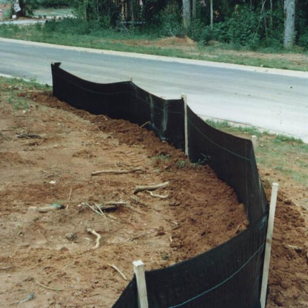 Vigoro 6 Ft X 100 Ft Heavy Duty Woven Contractor Ground Cover Weed Barrier Landscape Fabric Heavy Duty Commercial Grade 32118hv The Home Depot