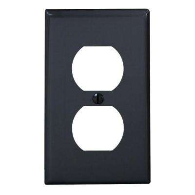 1-Gang 1 Duplex Receptacle, Standard Size Nylon Wall Plate - Black
