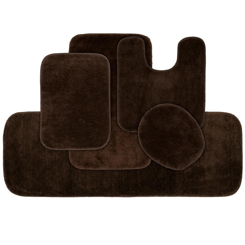 Traditional 5 Piece Washable Bathroom Rug Set in Chocolate