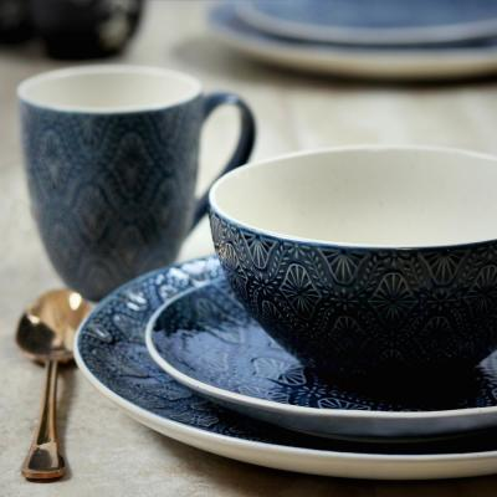 Kali 16-Piece Casual Blue Earthenware Dinnerware Set (Service for 4)