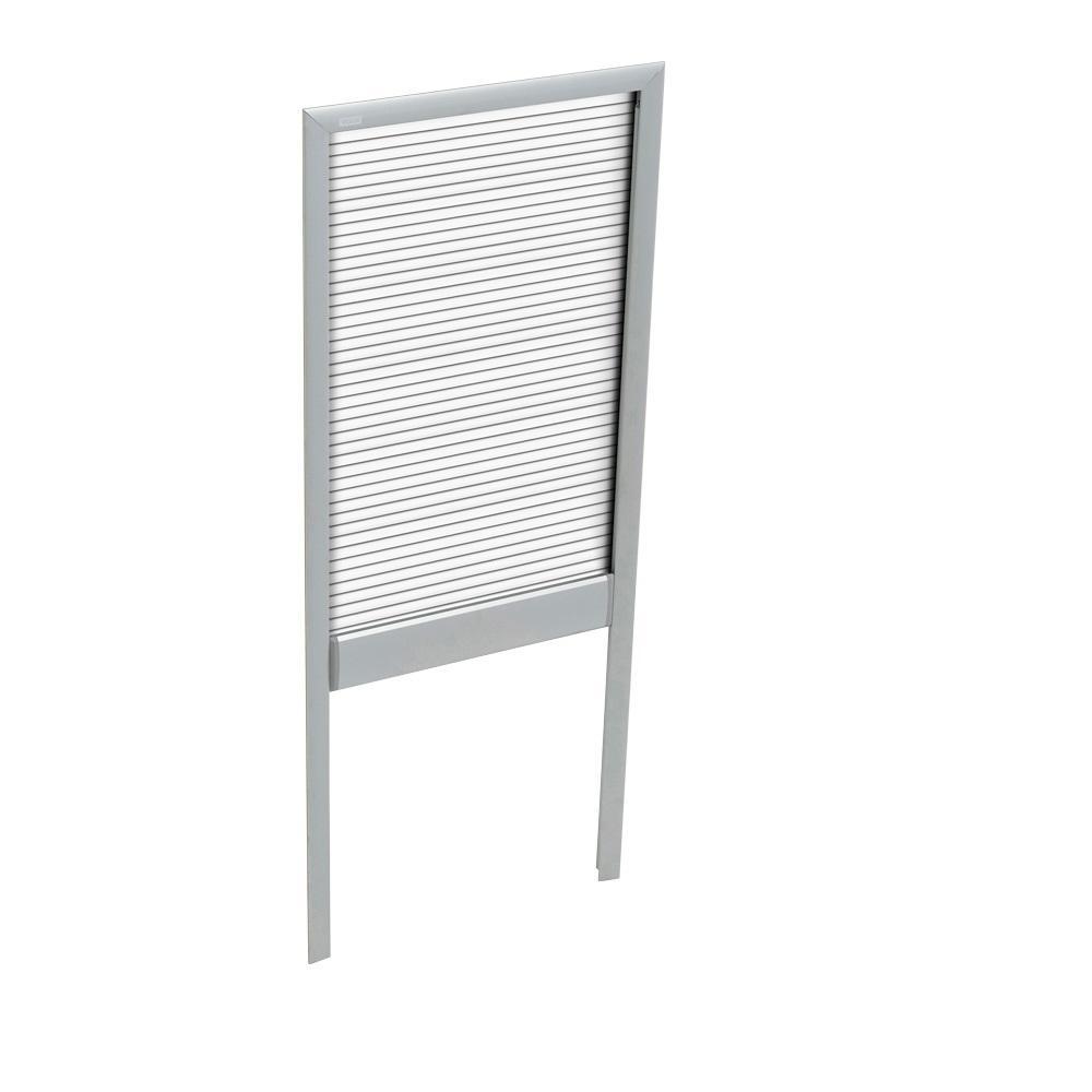 White Manually Operated Venetian Skylight Blind for FS D06 and FSR D06 Models