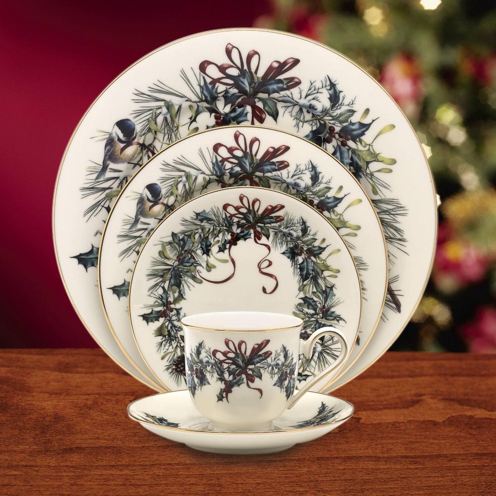 Winter Greetings Bone China Dinnerware Set (5-Piece)