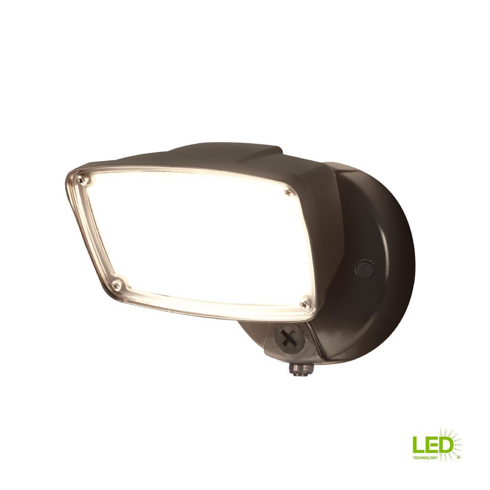 FSL Single Head Bronze Outdoor Integrated Dusk to Dawn LED Flood