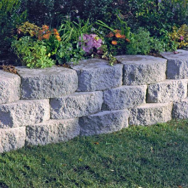 6 In X 16 In Concrete Garden Wall Blocks M0616mano001 The Home Depot