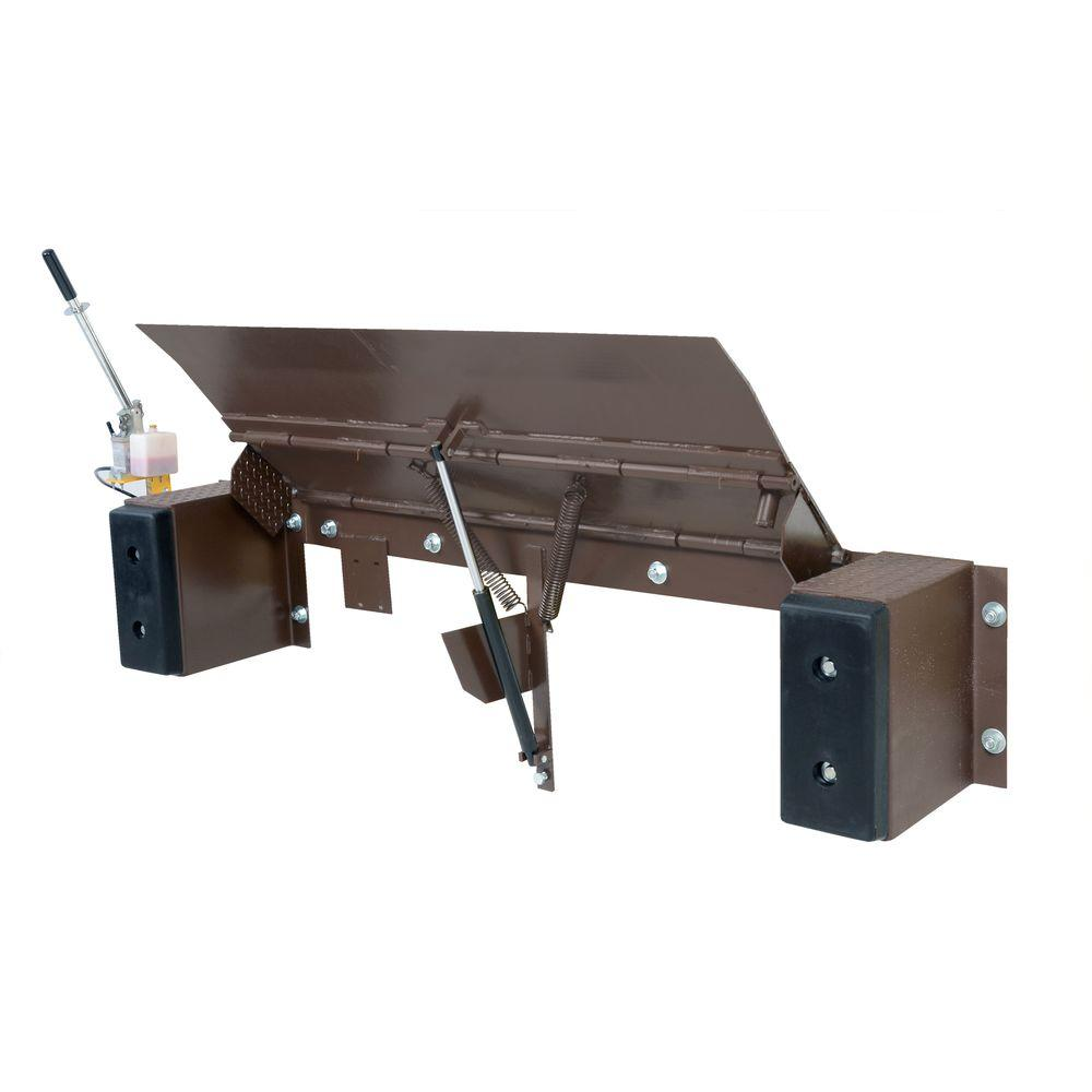 20,000 lb. Hand Pump Edge-O-Dock Leveler
