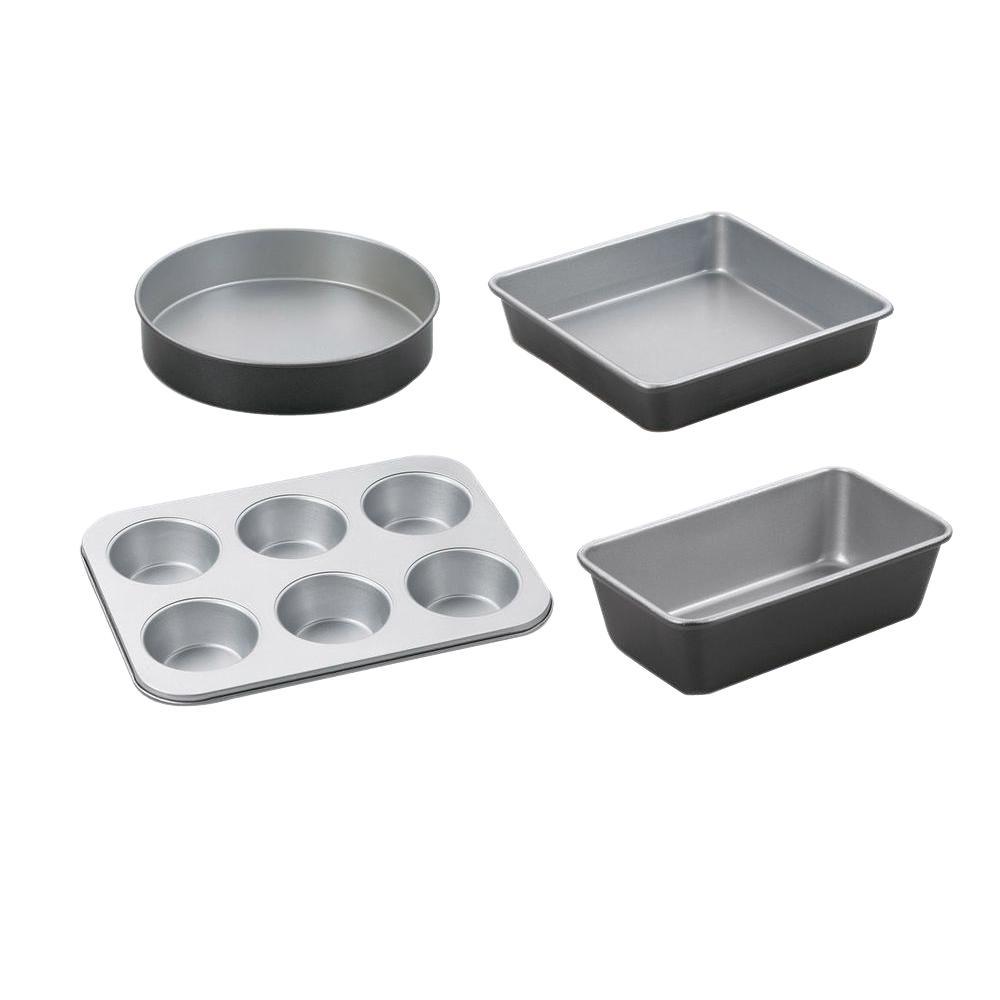 Chef's Classic 4-Piece Black Bakeware Set