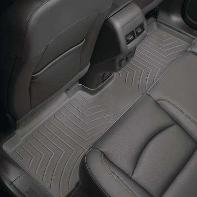 Black/Rear FloorLiner/Lincoln/Navigator/2018 +/L-models; will require trimming along re-scored lines to accommodate 1st