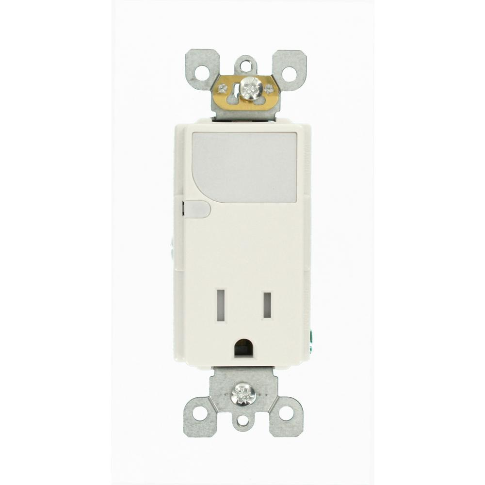 Leviton Decora 15 Amp Combination Single Outlet and Guide-Light ...