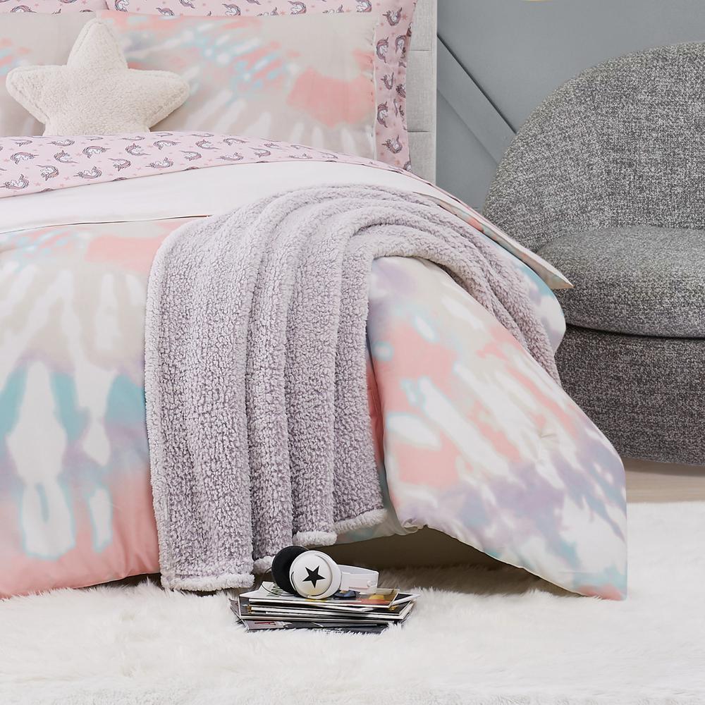 Bottom Dye Lavender Sherpa Throw Blanket