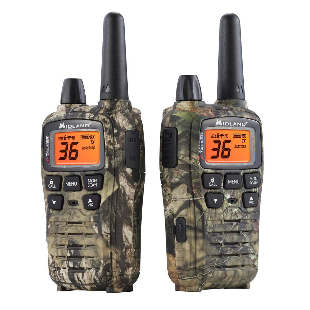 Mossy Oak X-Talker 38-Mile 2-Way Radios Charger in Break Up Country