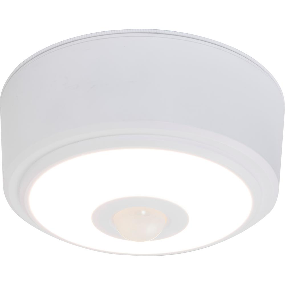 Energizer Motion Activated 100 Lumens Led Ceiling Light Fixture
