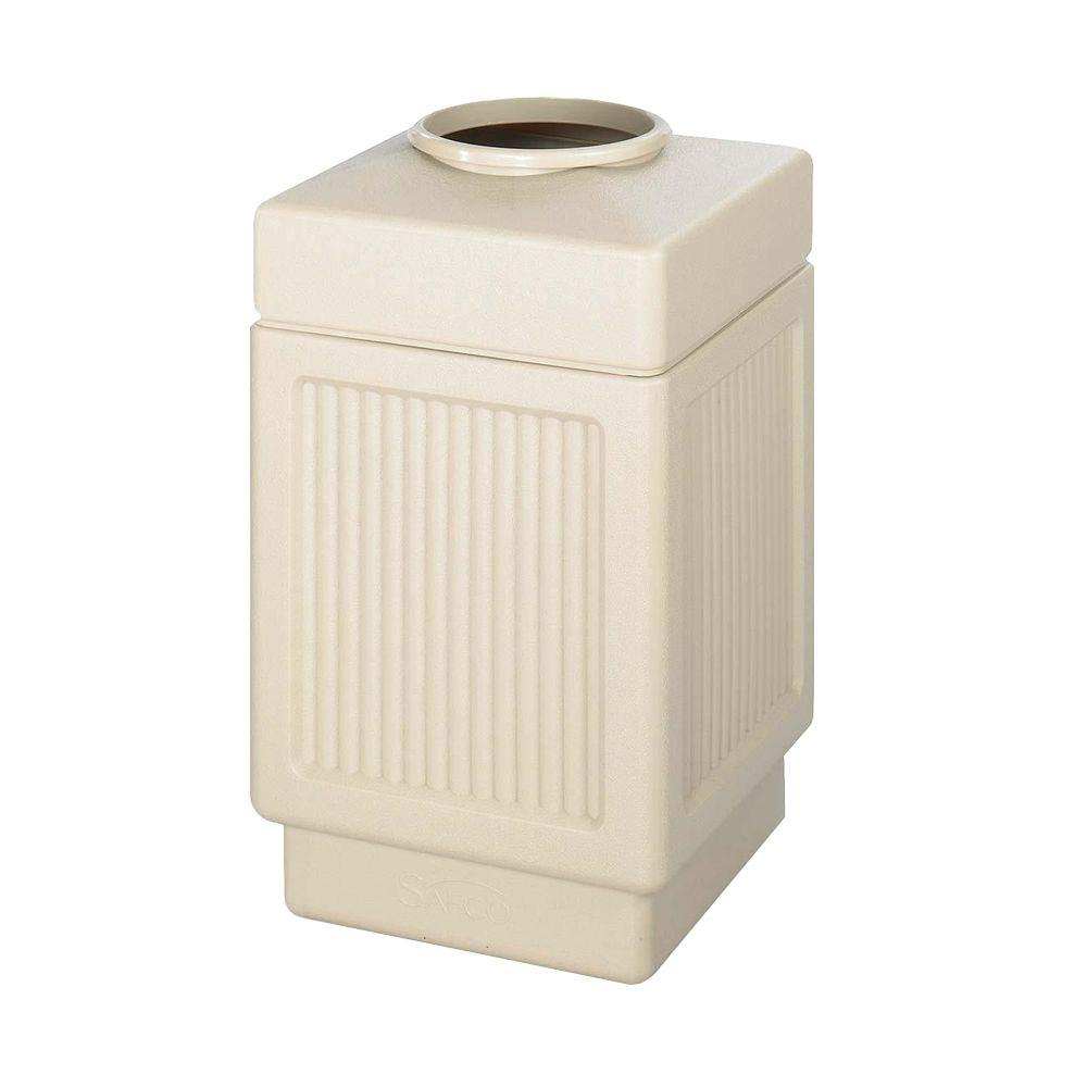 38 Gal. Indoor/Outdoor Pentagon Shape Receptacle