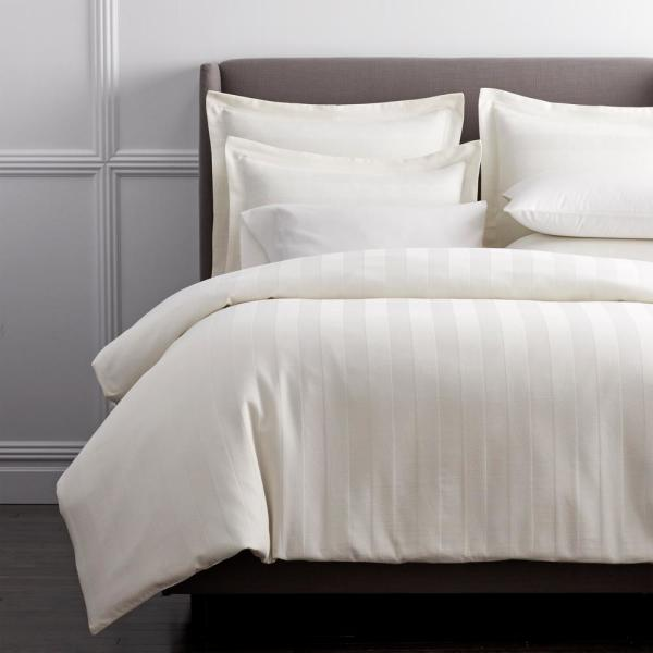 Griffith Ivory Solid 300-Thread Count Supima Cotton King Duvet Cover