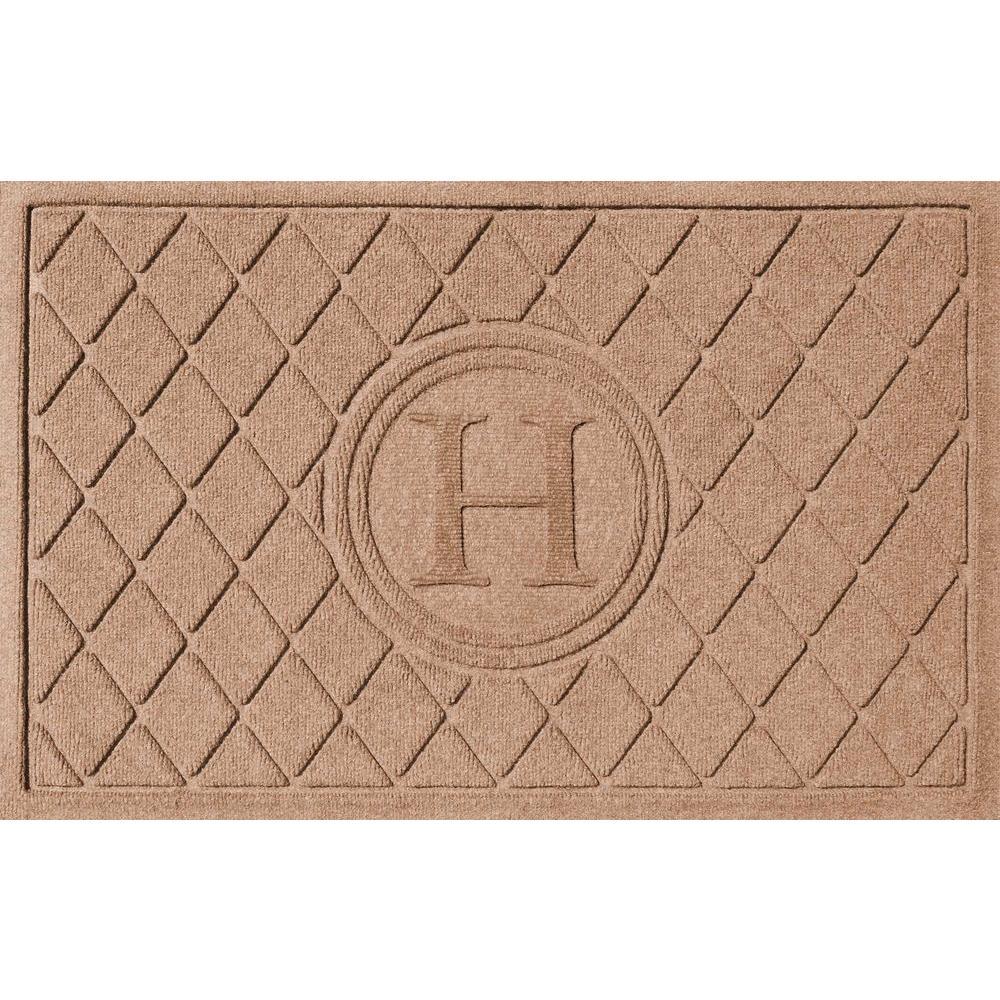 Argyle Medium Brown 24 in. x 36 in. Monogram H Door Mat