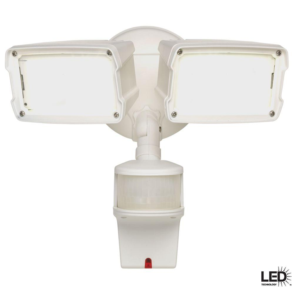 Defiant 180-Degree White Motion Activated Sensor Twin-Head