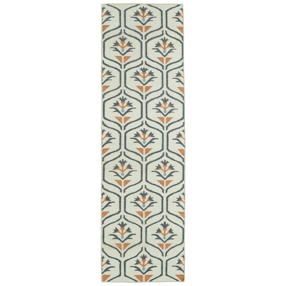 Glam Coral 2 ft. 6 in. x 8 ft. Runner