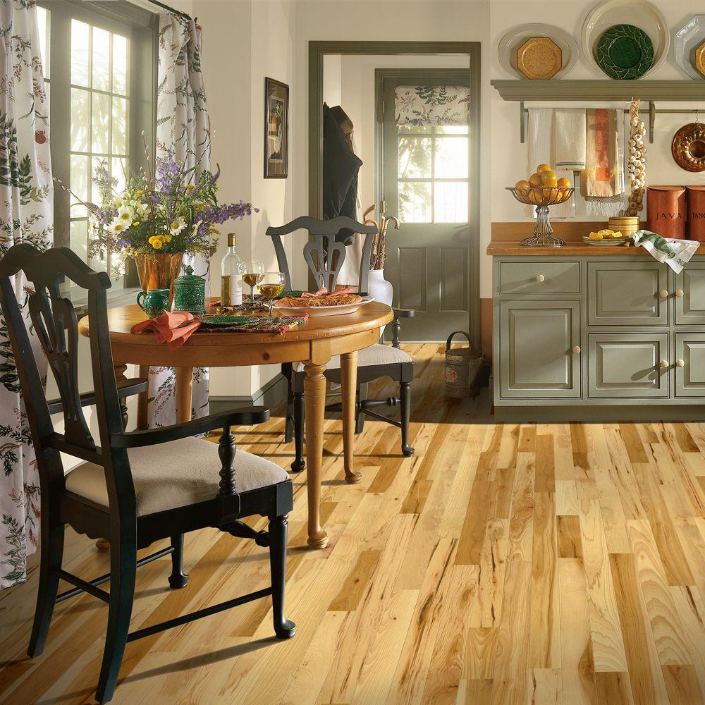 Bruce Hickory Country Natural 3 4 In Thick X 2 1 Wide Varying Length Solid Hardwood Flooring 20 Sq Ft Case