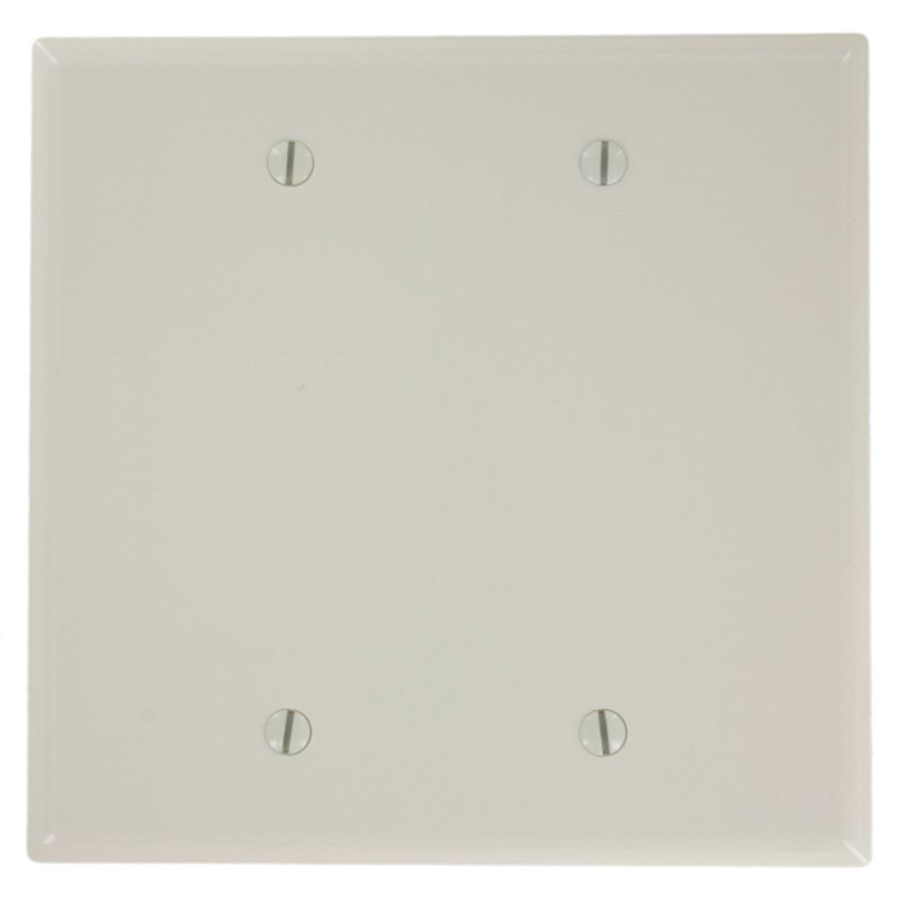 2-Gang No Device Blank Wallplate, Midway Size, Thermoset, Box Mount, Light