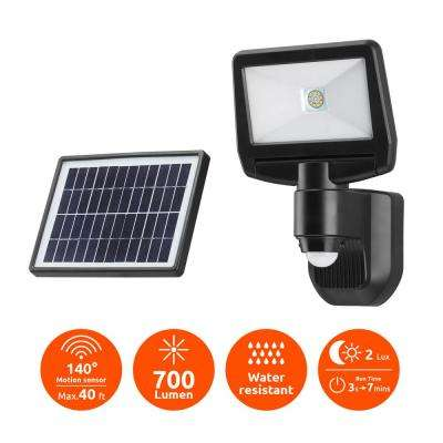 Super Bright Black 700-Lumen Motion Activated Outdoor Integrated LED 6500K Solar Powered Landscape Flood Light