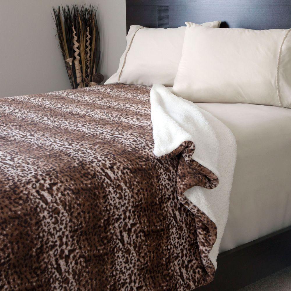 Mink Print Fleece/Sherpa Polyester Full/Queen Blanket